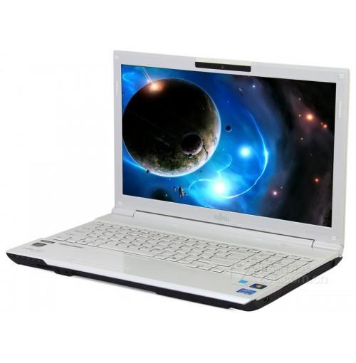 Fujitsu Laptop L0AH532AX00000091 (I3-2GB-500GB)